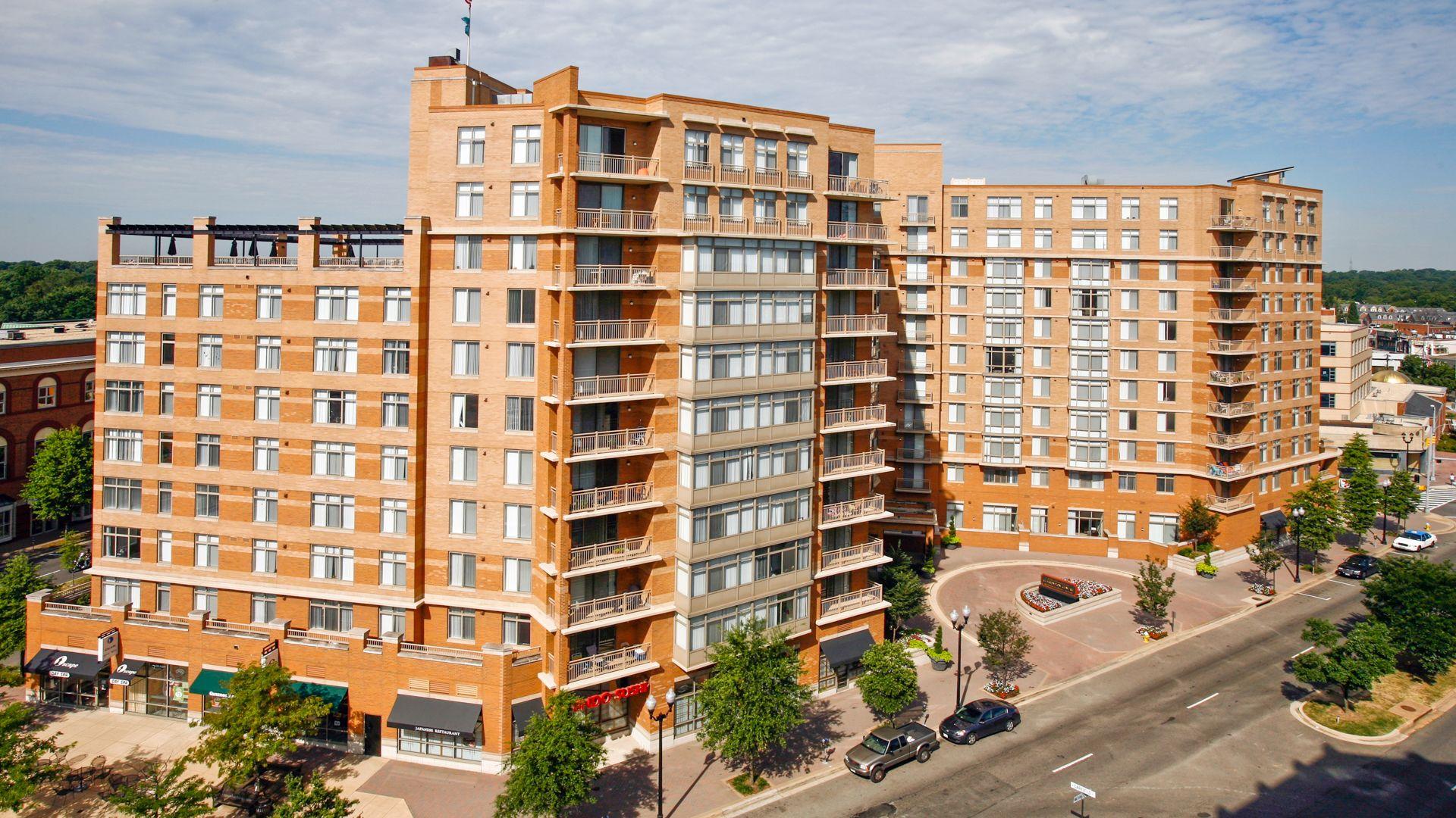 the-reserve-at-clarendon-centre-apartments-building